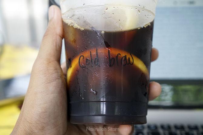 Lemon Cold  Brew dalam kemasan