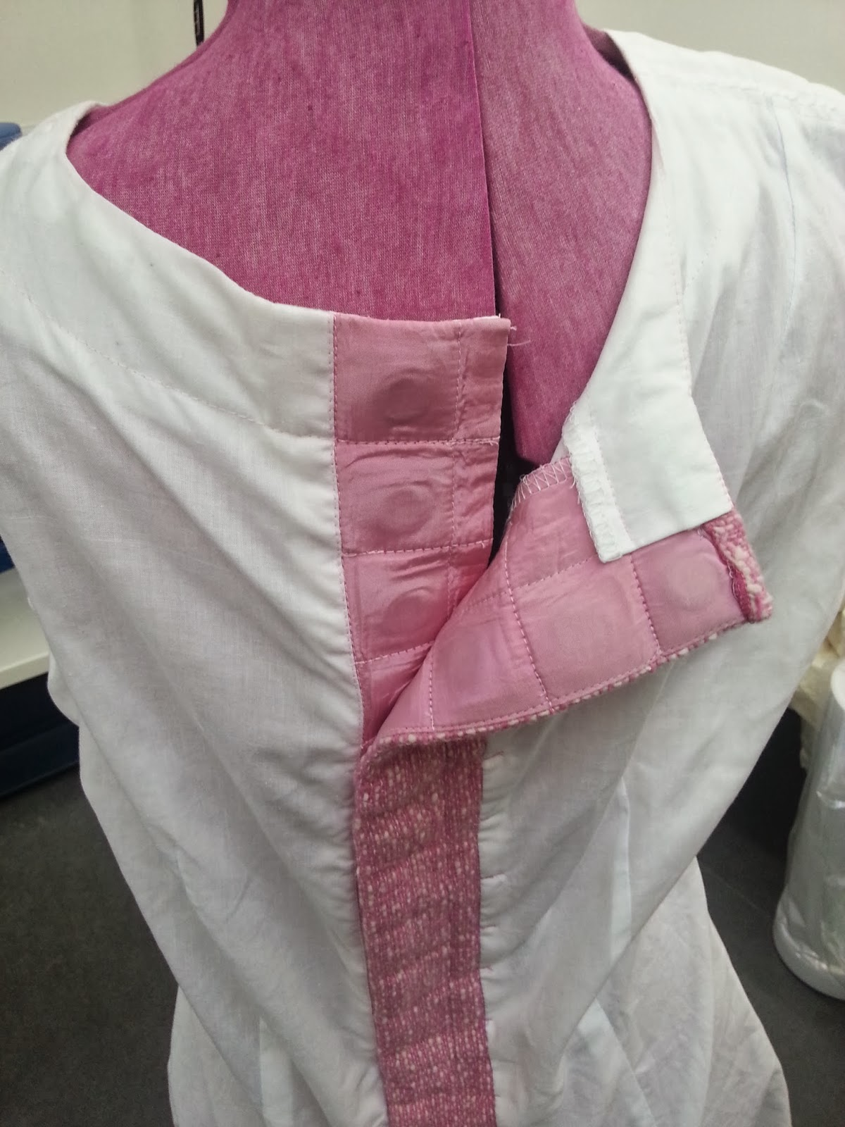 Make Pockets In The Interfacing And Then Put Magnets Into Before Sewing Them Up But Note Don T Take Right To Bottom It