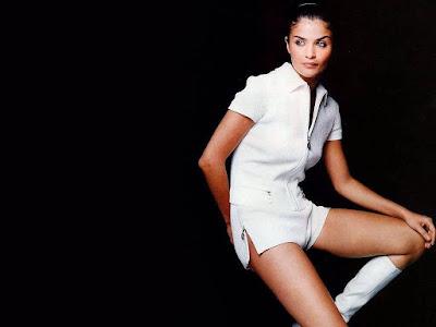 Break Screen: Danish fashion model, (former) Victoria's