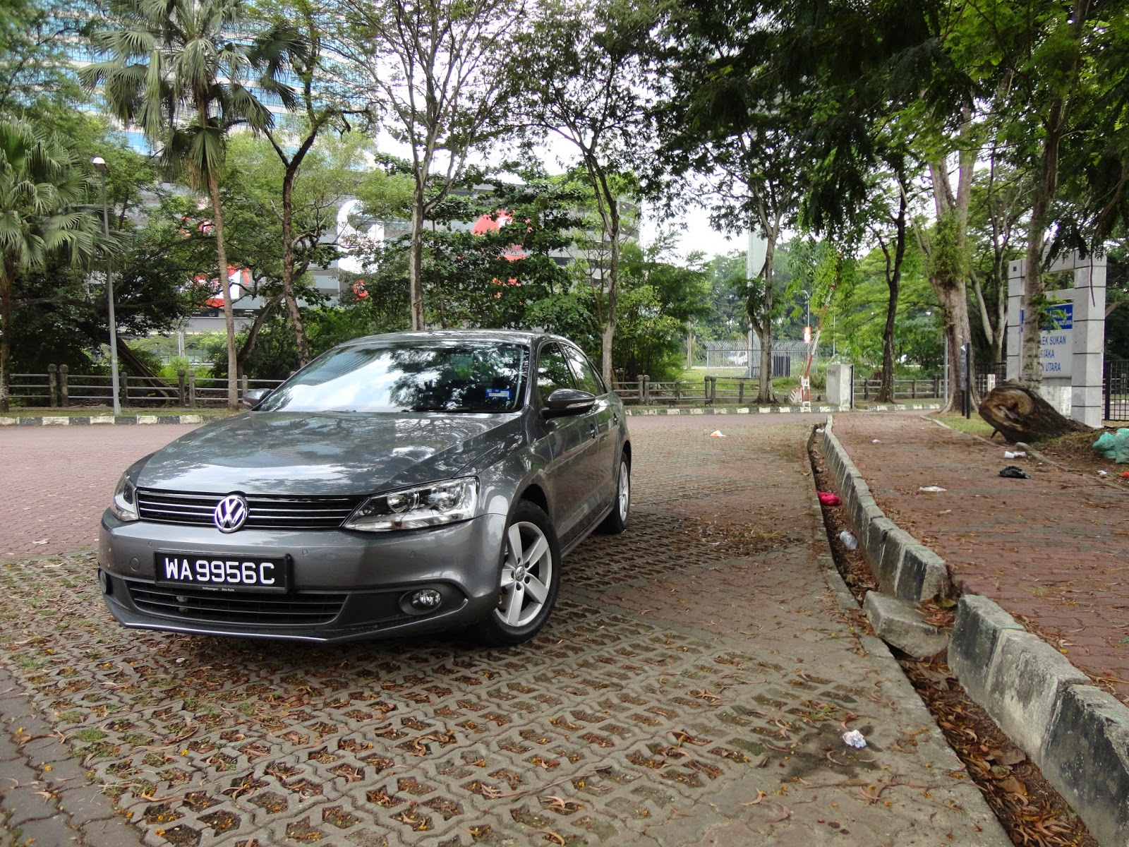 TEST DRIVE: 2014 Volkswagen Jetta 1.4TSI CKD - The wolf in sheepskin