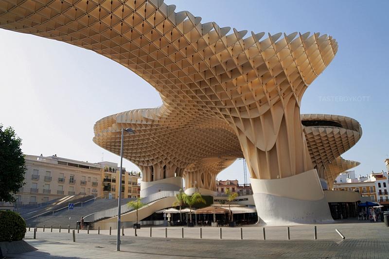 Metropol Parasol architecture in Seville, Spain // Metropol Parasol Architektur in Sevilla, Spanien   Sevilla im Sommer