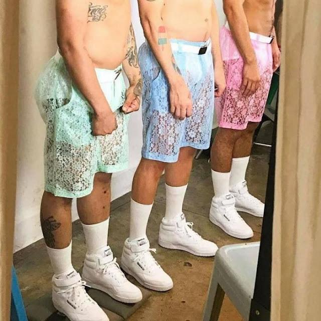 Existe algo más bajo de el RompHim, son los lacey shorts