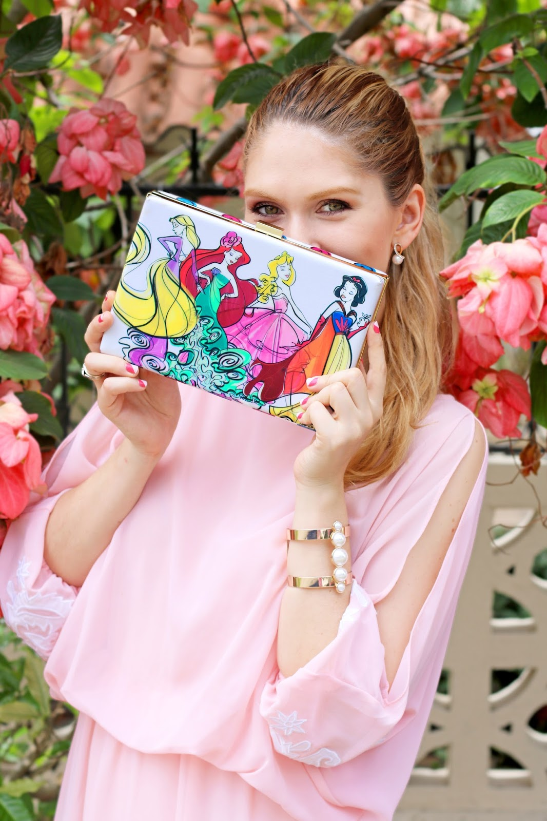 Love this super adorable Disney clutch!