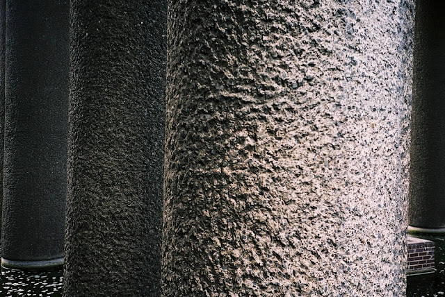 BARBICAN, LONDON 2007 © VAC, CONCRETE, INSTAGRAM, COLUMNS, BRUTALIST ARCHITECTURE, 1970S