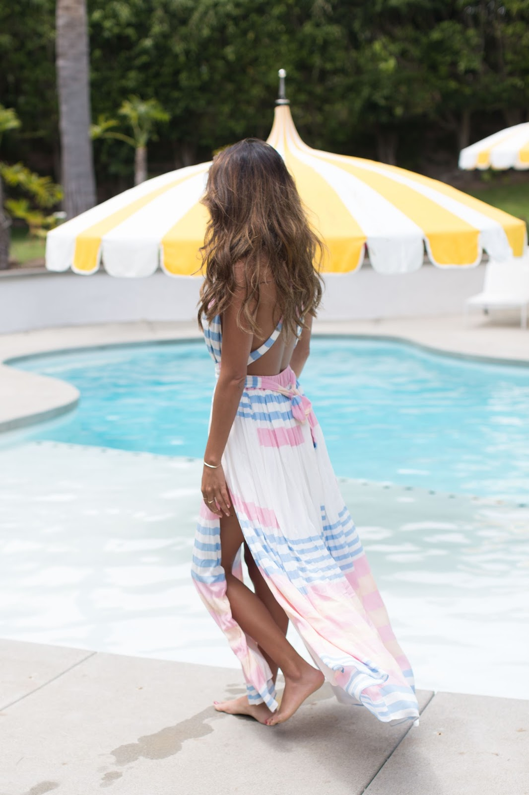 How to wear maxi dress at pool, Mara hoffman crinkle crepe maxi dress