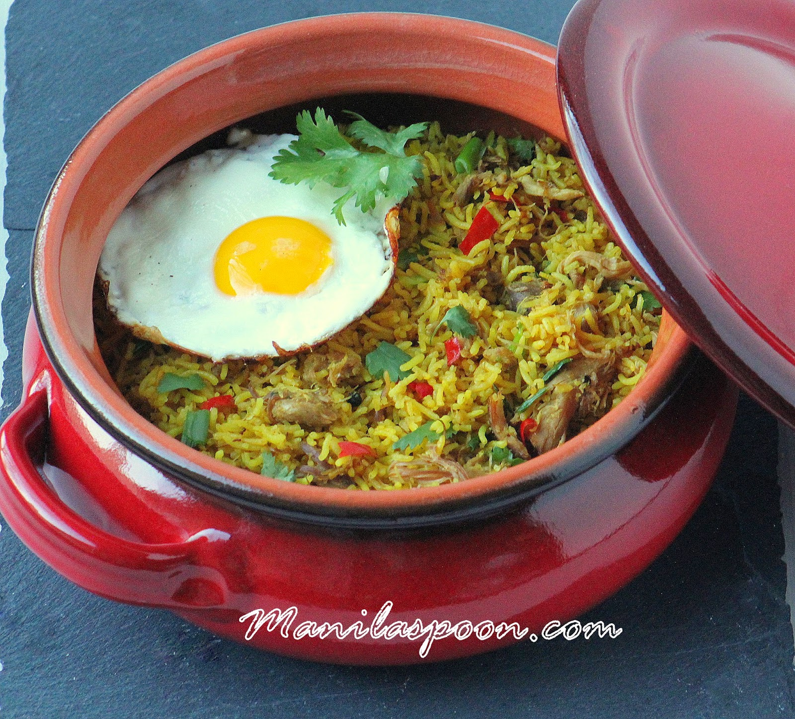 So aromatic and full of flavor is this Indonesian Fried Rice (Nasi Goreng)! Easy and delicious side dish for sure!