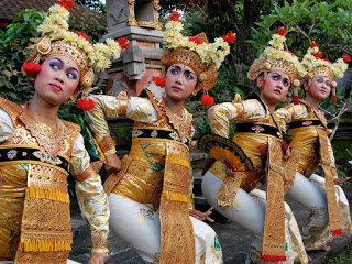 All About Pendet Dance