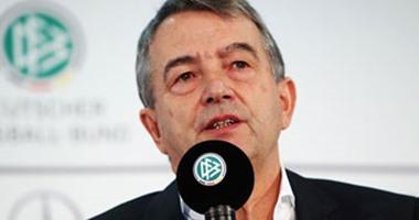 رئيس اتحاد كرة القدم الألماني يطالب بسحب كأس العالم 2022 من قطر