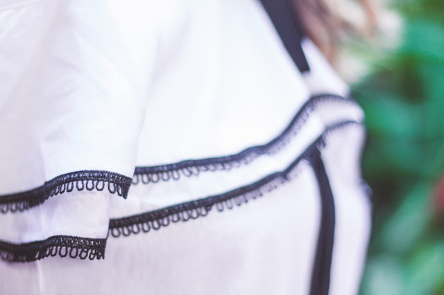 look minimalista, look preto e branco, blusa com babados, pinterest, look tumblr, blog camila andrade, blogueira de moda em ribeirão preto, fashion blogger em ribeirão preto, blogueira de moda em ribeirão preto, o melhor blog de moda, blog de dicas de moda, blog do interior paulista