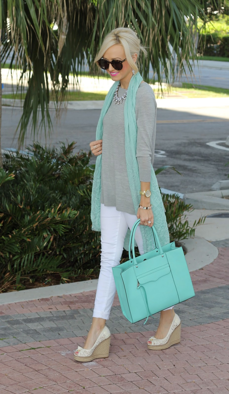 A Spoonful Of Style: Grey And Mint