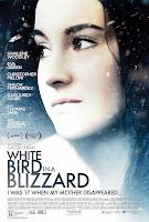Pajaro blanco de la tormenta de nieve (2014) online y gratis