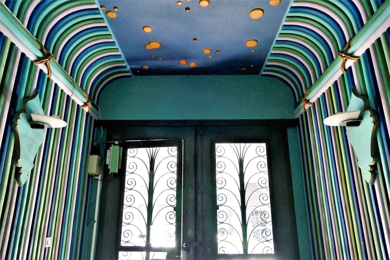 Interior de la casa jud a de valencia obra de juan for Decoracion casa judia