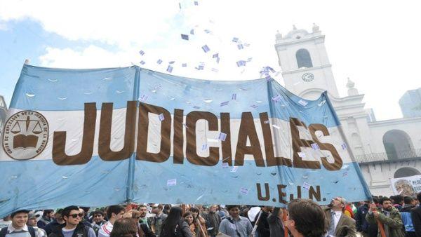 Gremio macrista convoca a paro por reforma laboral en Argentina
