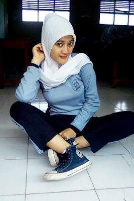 siswi cantik sange pakai jilbab d dalam kelas
