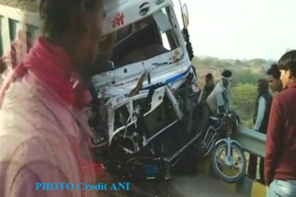 truck-accident-on-kanpur-sajeti-highway-5-dead-4-injured-up-news