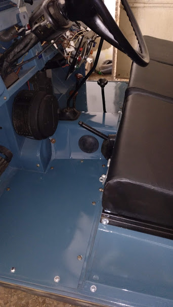 Rover P5//P5B montaje de mamparo Ventilación Parrilla LIMPIAPARABRISAS raro ahora