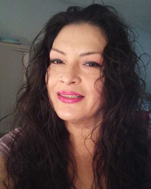 Single And Searching California Sugar Mummy Is Online - Connect With Her