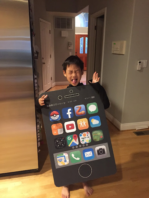 Easy DIY iPhone Costume for Halloween | www.sprinkledwithcolor.com