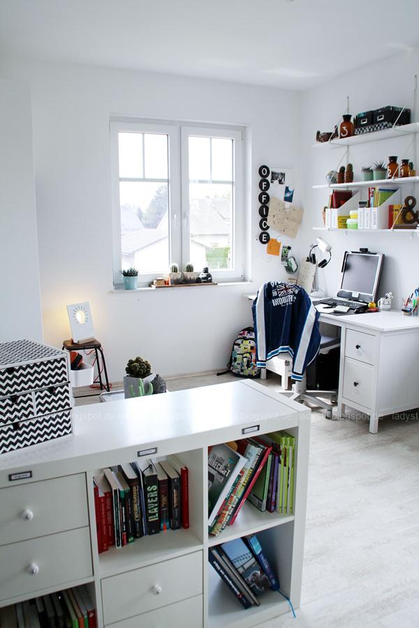 Überblick Arbeitszimmer Office Jugendzimmer Büro Schreibtisch