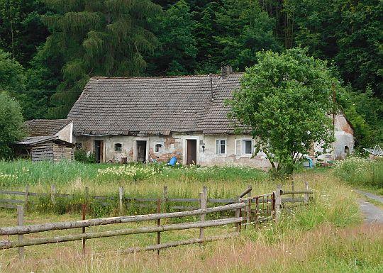 Stary dom we wsi.