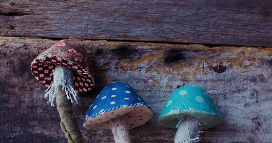 little arty crafty crow: making mushrooms