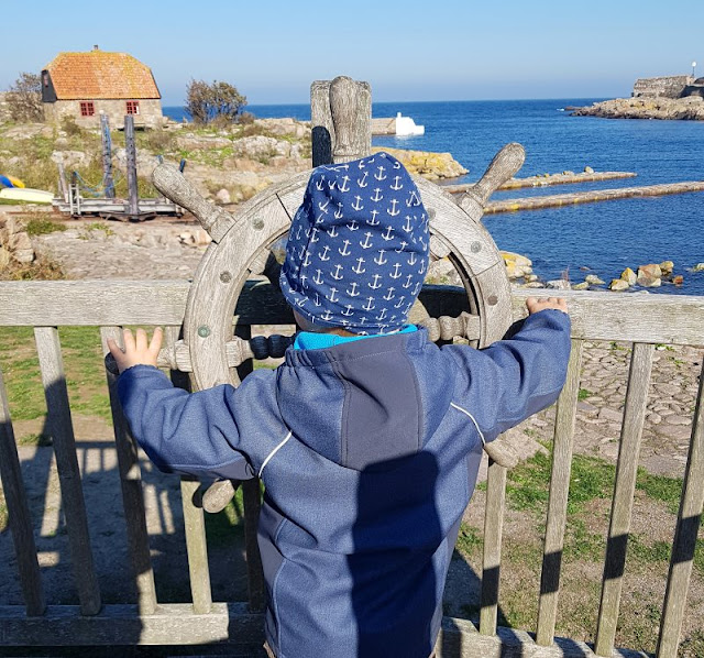 Bornholm mit Kindern im Herbst. Teil 3: 10 tolle Ausflugsziele für Familien auf Dänemarks Sonneninsel. Auf den Erbseninseln gibt es zwei Spielplätze für die Kinder.