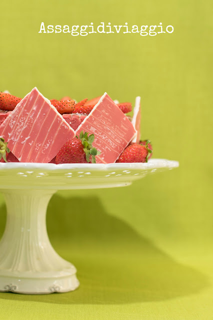 Crunchy Top Strawberry Cake