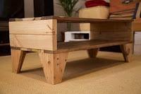 mesa de madera con palets pallets reciclados