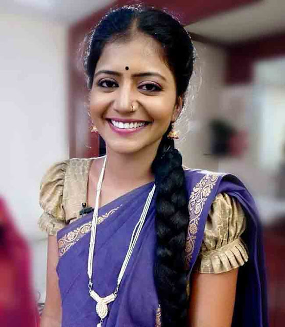 Teenmar Savithri Anchor Profile Biography Family Photos and Wiki and Biodata, Body Measurements, Age, Husband, Affairs and More...