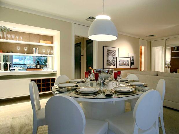 Arquitetura feminina ilumina o sala de jantar lustre e - Mesas redondas modernas ...
