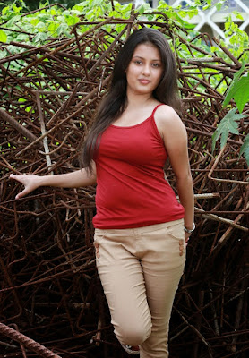 Kanika Tiwari Tamil actress hot pics