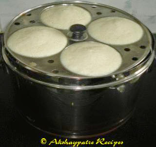keep the idlis aside for 5 minutes