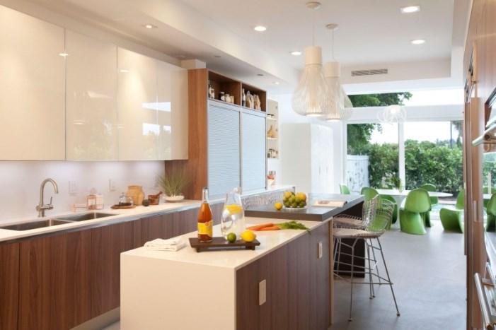 Hogares frescos dise o interior de una casa moderna en for Fachadas de casas en miami florida