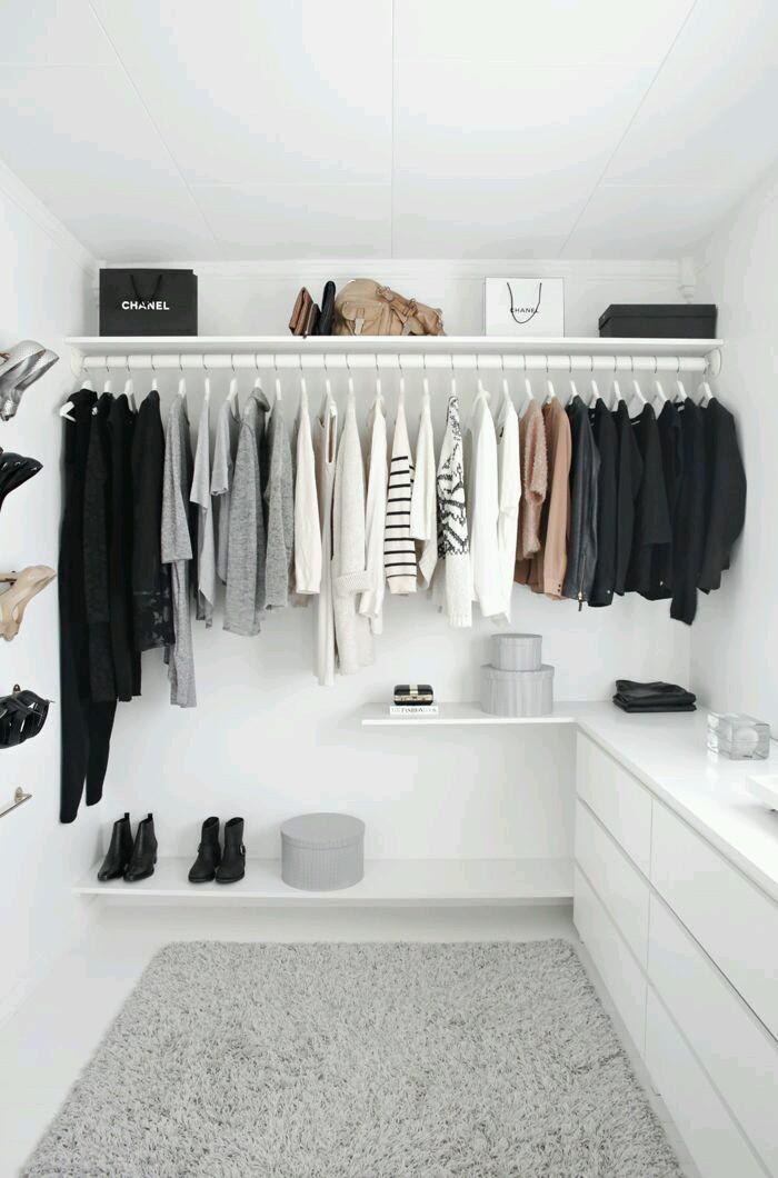 porady stylisty, garderoba, podstawy damskiej garderoby, osobista stylistka, przegląd szafy,