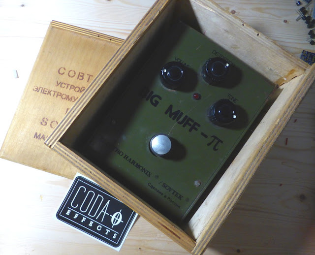 Sovtek Big Muff Bubble Font wooden box