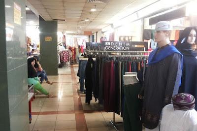 Baju Lebaran di Pasar Tanah Abang