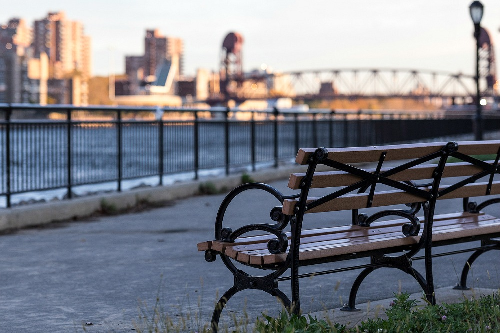 New York, fall, autumn, morning, Manhattan, photography, outdoors, Visualaddict, Frida Steiner, valokuvaaja, photographer, skyline, bench, park, river
