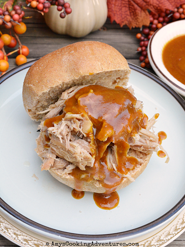 Featured Recipe // Crockpot Pulled Pork with Carolina BBQ Sauce from Amy's Cooking Adventures