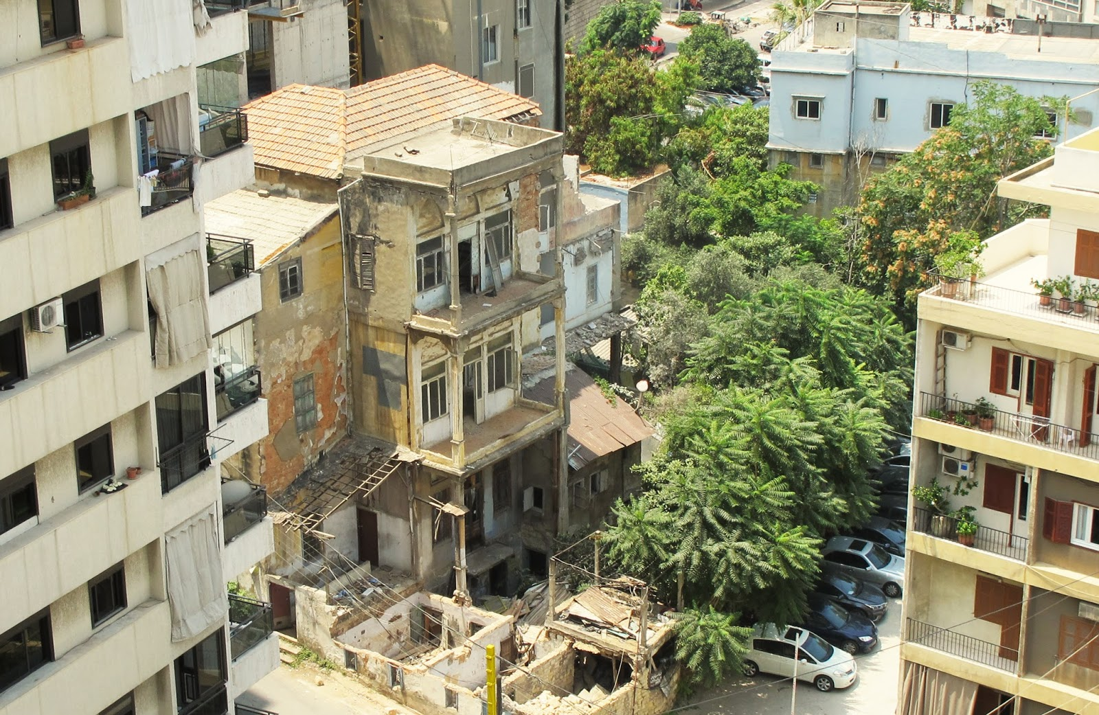Claude el khal the slow murder of beirut s soul for Old traditional houses