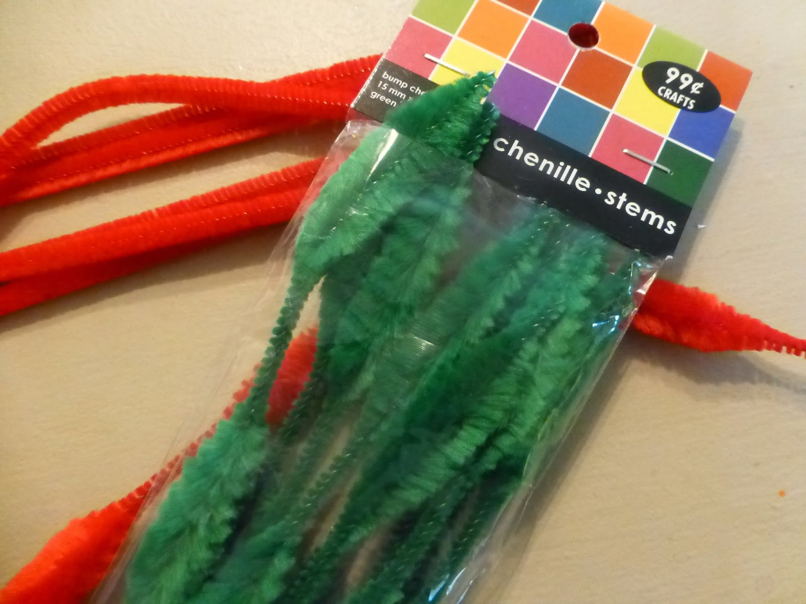 ATTIC CLUTTER: santa...red and green pipe cleaners