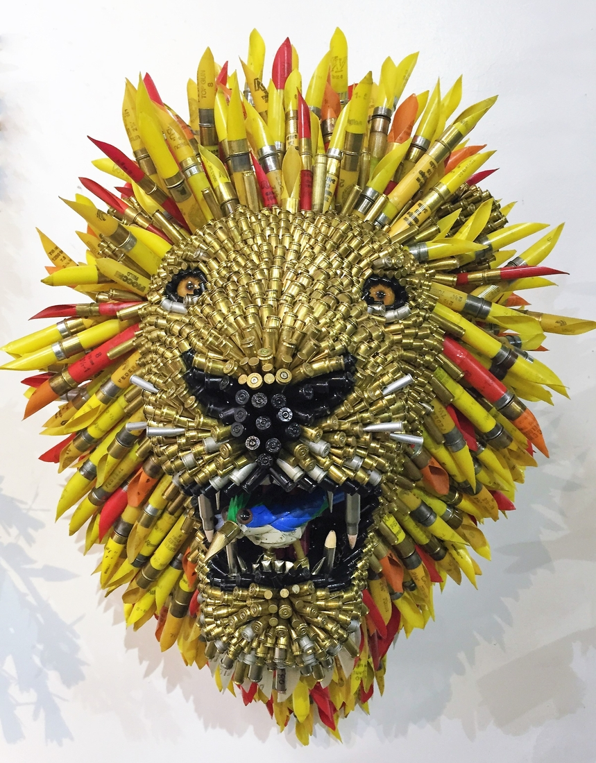 14-Lion-Federico-Uribe-Killing-it-with-Bullet-Animal-Sculptures-www-designstack-co