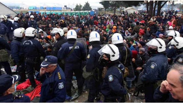 Οι Έλληνες αστυνομικοί μήνυσαν το κράτος που τους αφήνει απροστάτευτους στην υγειονομική βόμβα της Ειδομένης