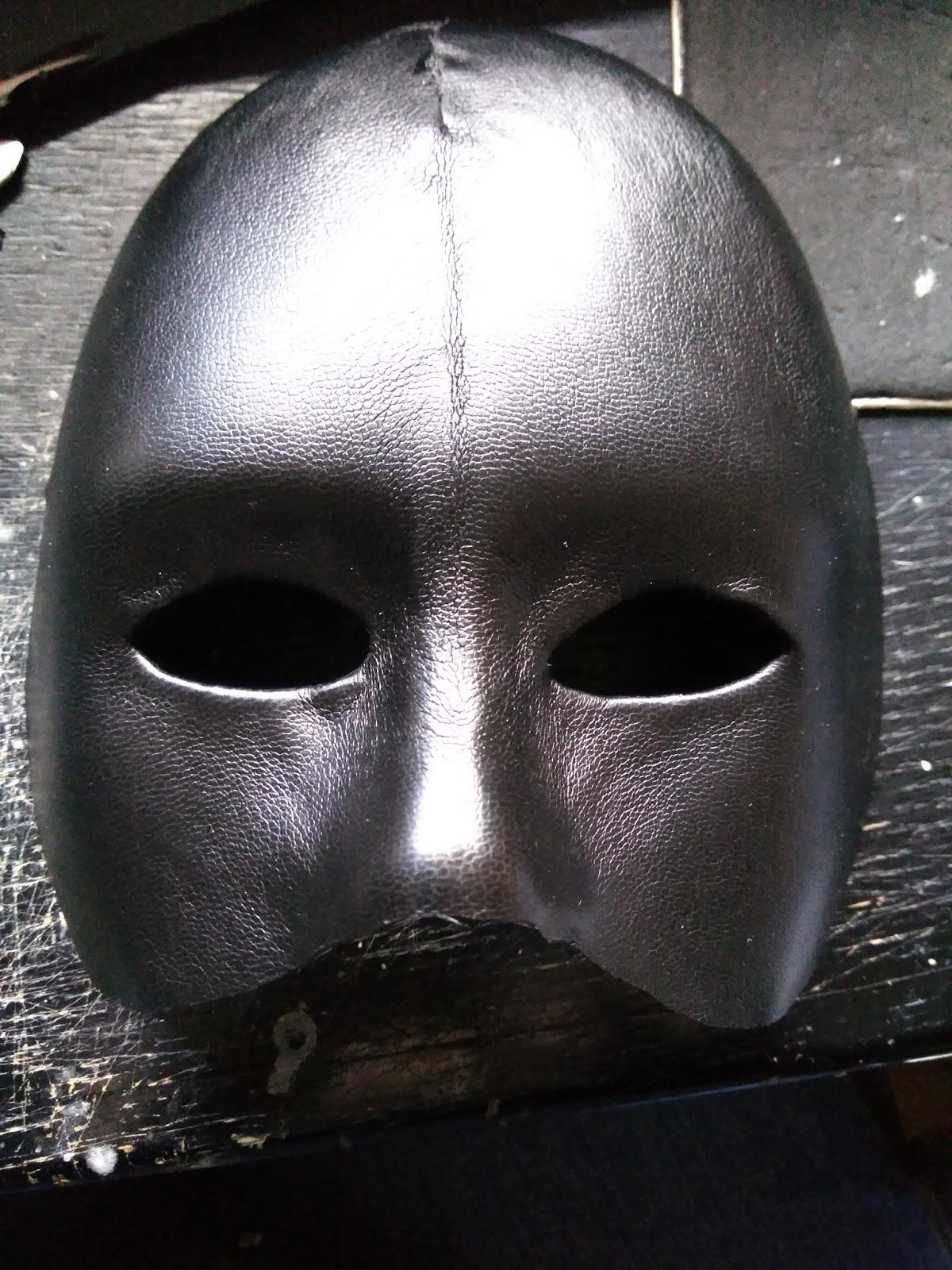 El cuidado de la piel en el círculo de los ojo de la máscara