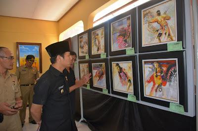 H. Moch. Nur Arifin Wakil Bupati Trenggalek Buka Pameran Seni Rupa, Tosan Aji dan Bonsai