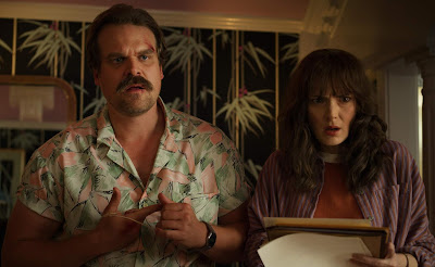Stranger Things Season 3 David Harbour Winona Ryder Image 1