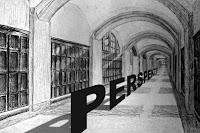 Perspektif çizilmiş bir koridor ve koridor zeminde uzanan perspektif sözcüğü