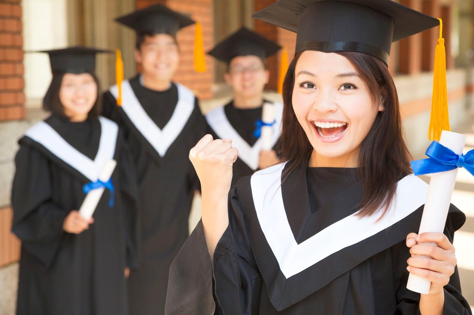 keuntungan kuliah