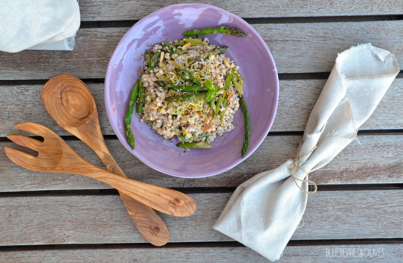 Ensalada de trigo sarraceno y espárragos con aderezo de tahini 2