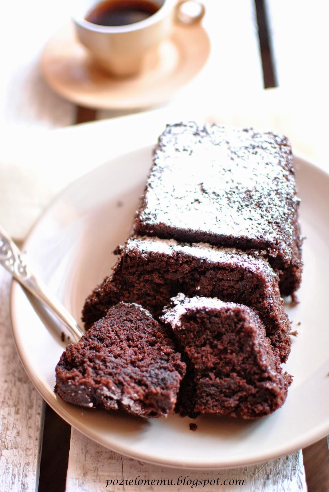 Wilgotne ciasto bananowo-czekoladowe