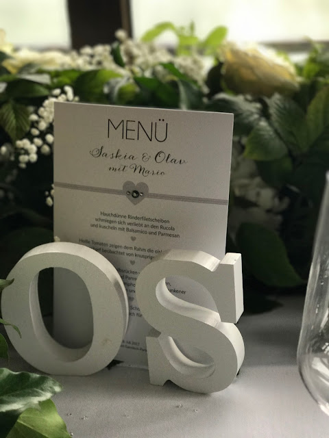 Tischdekoration mit Glitzer, Hochzeit zu Dritt, kleine Familienhochzeit, Riessersee Hotel Garmisch-Partenkirchen, Bayern, freie Trauung